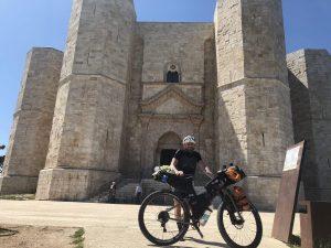 Via Francigena del sud, viaggiatore lento, Salsa Fargo, gravel, bicicletta da viaggio, bici da viaggio,Il Salento, la Puglia in bici, viaggiare in bicicletta in Puglia, Il Salento in bici, Salento in bicicletta, ciclovia dell'acquedotto pugliese, ciclabili in puglia, vacanze in puglia, cicloviaggio in puglia, organizzare un cicloviaggio in puglia, Valle d'Itria, trulli, vacanze nei trulli, viaggio in puglia
