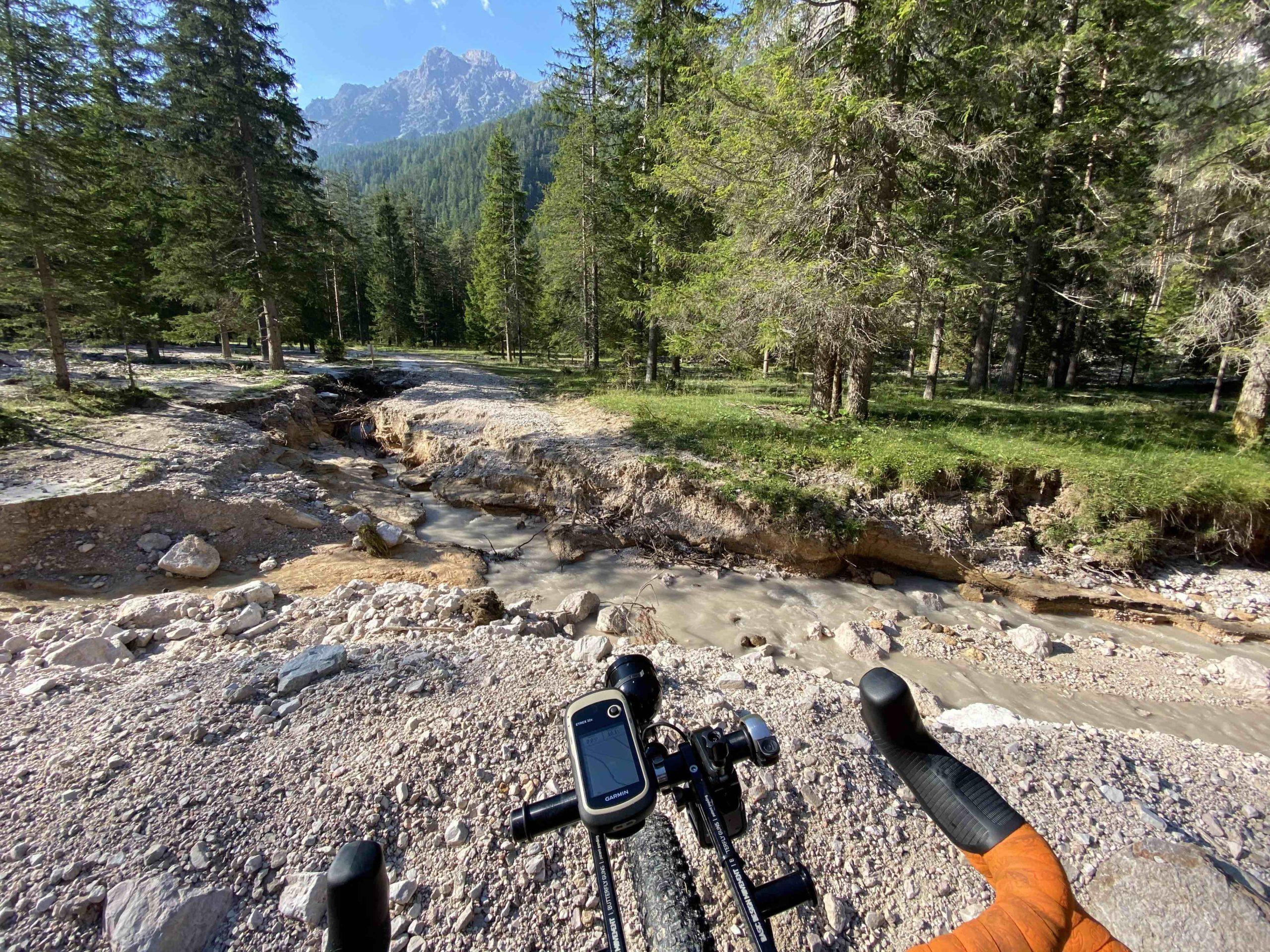 giro del Fanes rifugio Pederu parco naturale fané senese Braies Alto Adige sudtirol visit southtyrol viaggiatore lento dolomiti UNESCO cicloviaggio cicloturismo Alto Adige