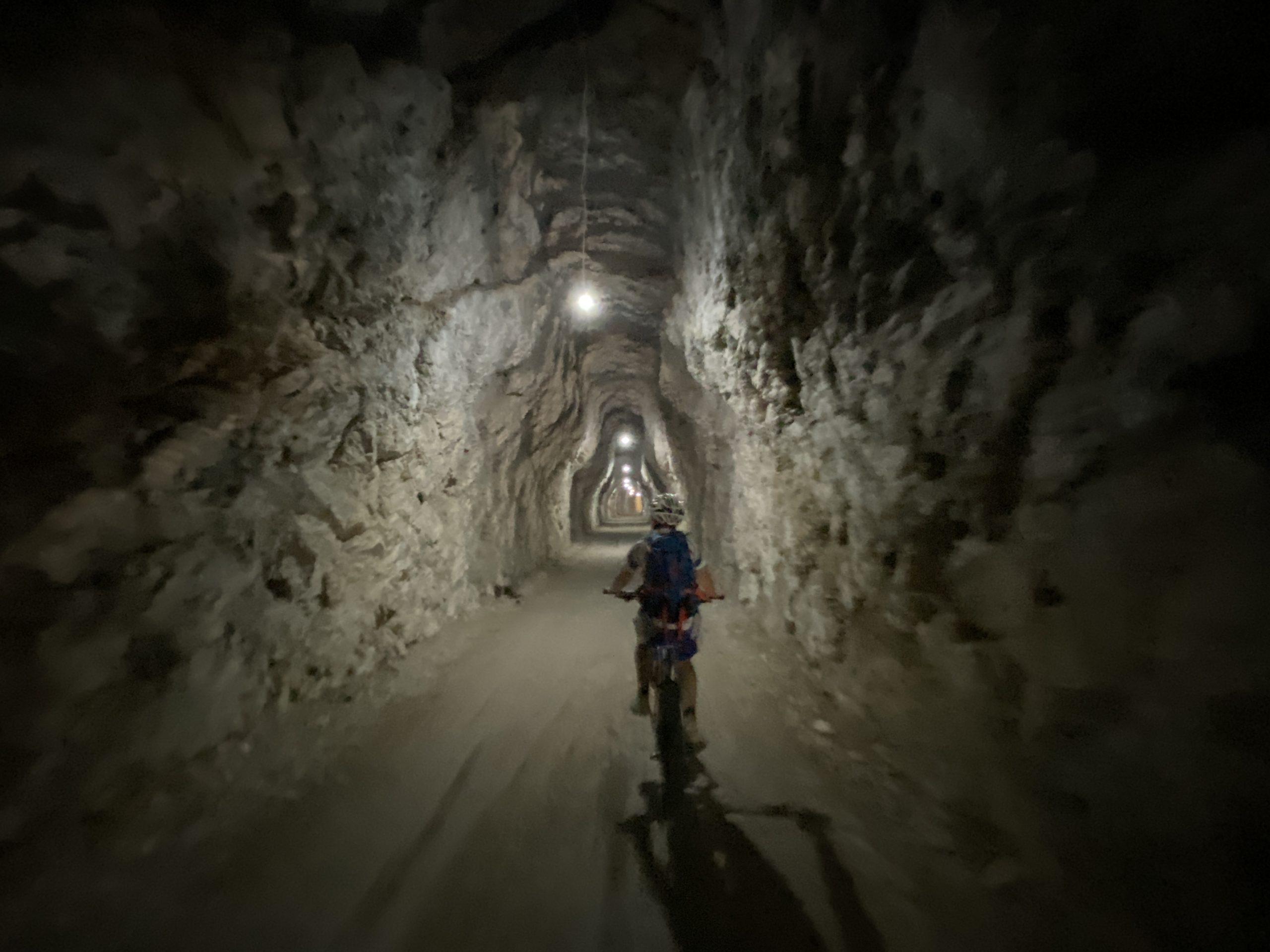 ciclabile delle Dolomiti, ciclabile Cortina Dobbiaco, visit Southtyrol, viaggiatore lento, dolomiti, sudtirol, Südtirol, cicloturismo, Dobbiaco, lago di dobbiaco, Cortina d'Ampezzo, ciclovia, cicloturismo, ciclabili Alto Adige, veneto vecchie ferrovie
