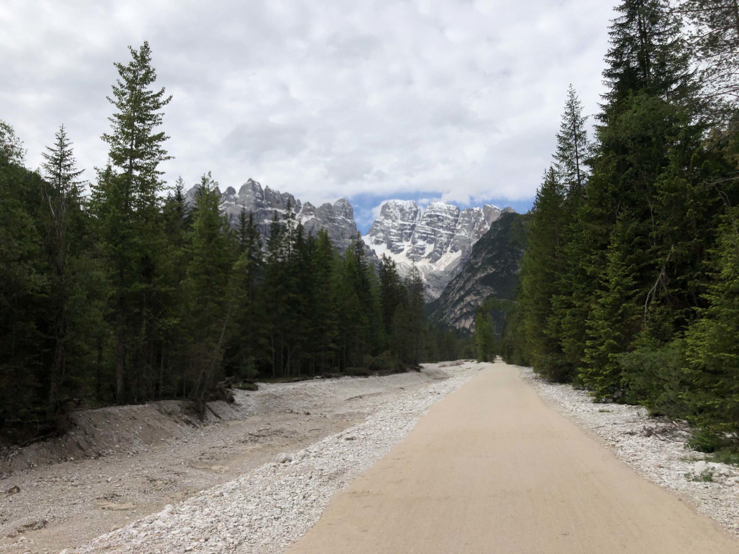ciclabile delle Dolomiti viaggiatore lento dolomiti sudtirol Südtirol cicloturismo Dobbiaco Cortina d'Ampezzo ciclovia