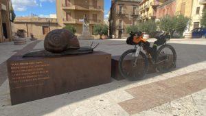 viaggiatore lento, salsa Fargo, Sicilia in bici, bicicletta, cicloviaggio, Sicily Divide, attraversata della Sicilia in bici, viaggio in bikepacking,