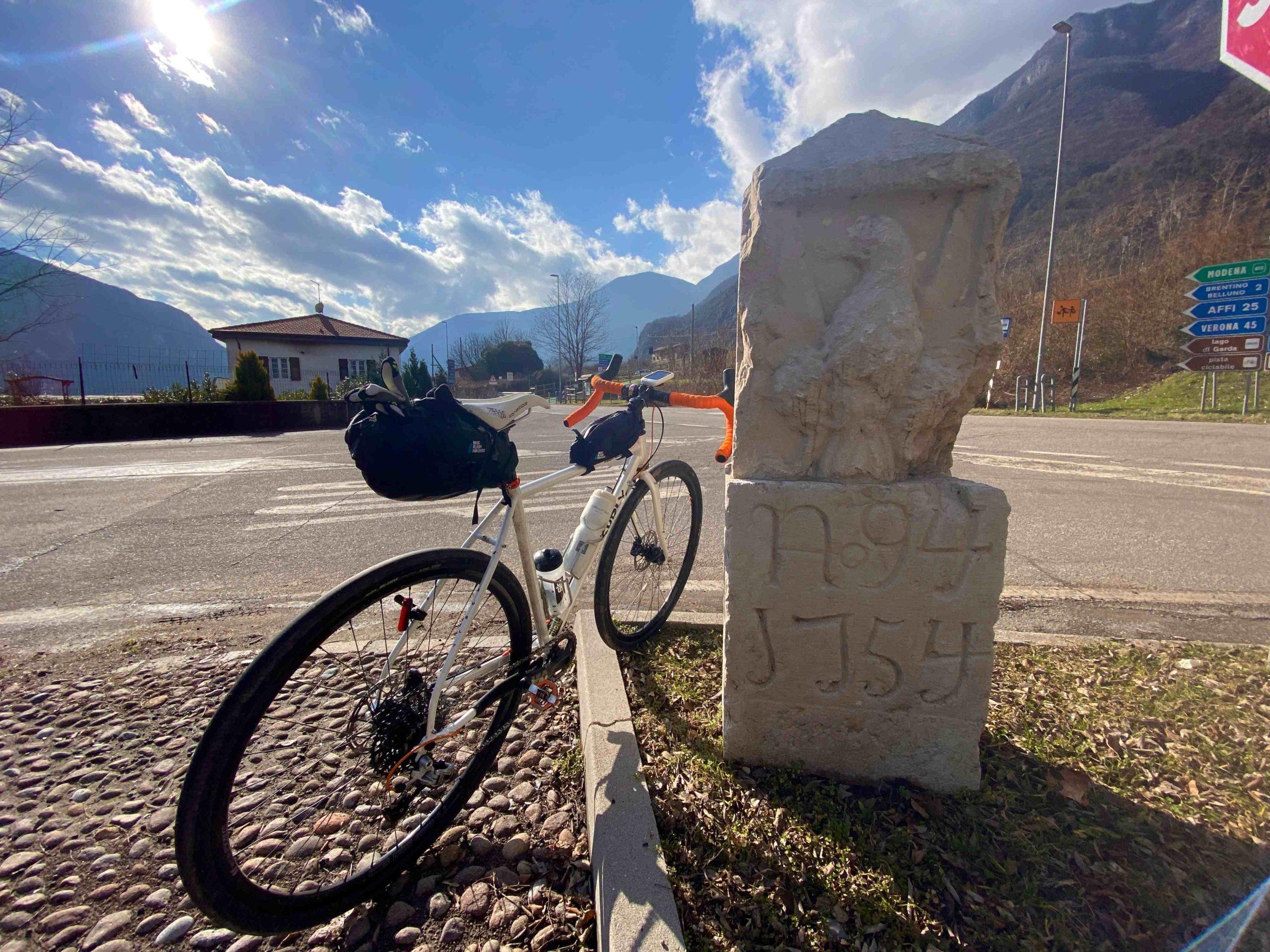 ciclabile terra dei forti Adige, ciclovia, eurovelo7, viaggiatore lento, viaggi in bici, trentino Alto Adige, vacanze in bici in trentino, ciclovia Adige, pista ciclabile Terra dei forti, valdadige, cicloturismo in trentino, cicloviaggio,