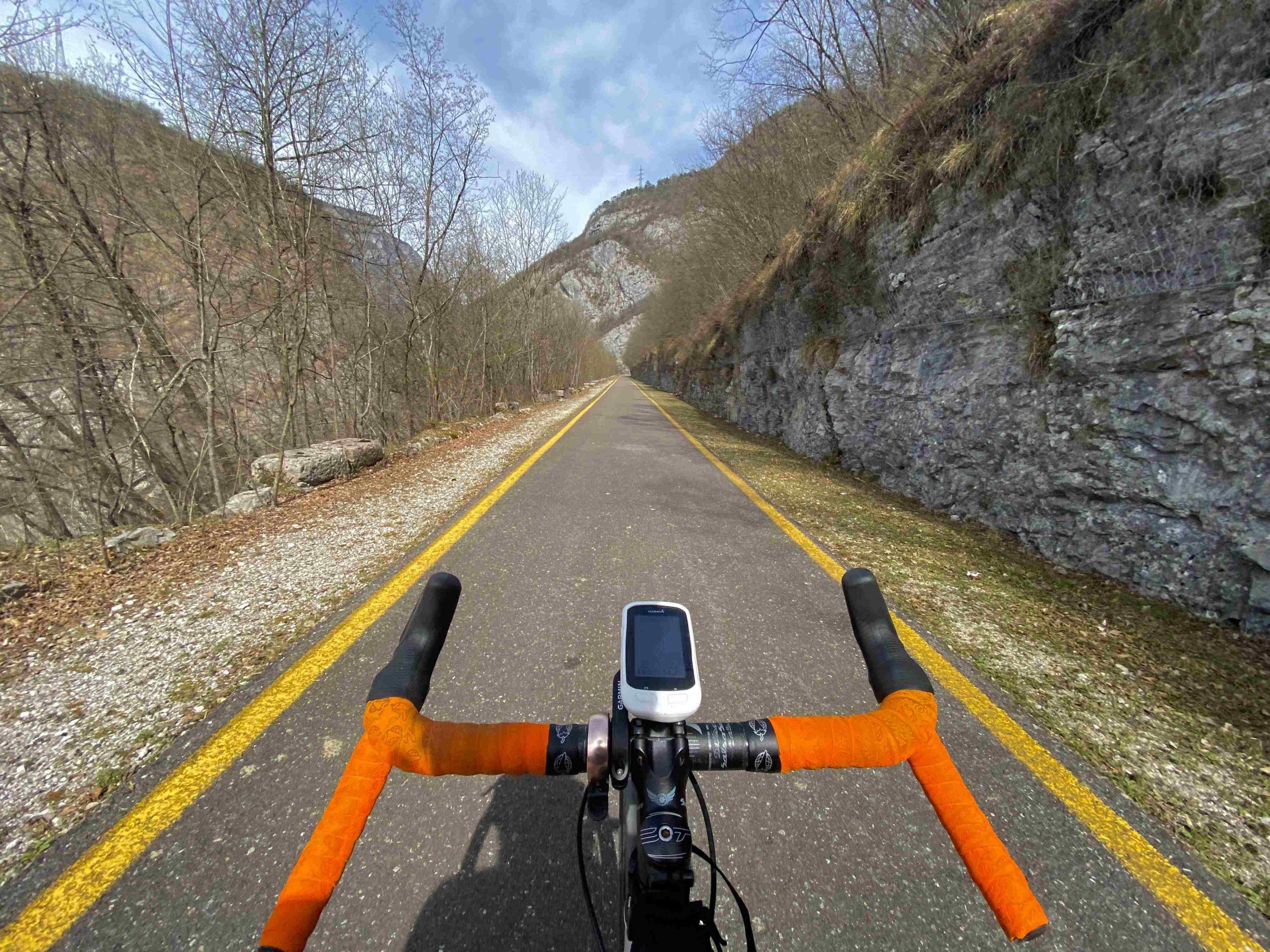 la ciclabile del limarò, viaggiatore lento, lago di garda, vacanze in trentino, trentino in bici, viaggiare in bici, vacanze in bicicletta, garda trentino, piste ciclabili,