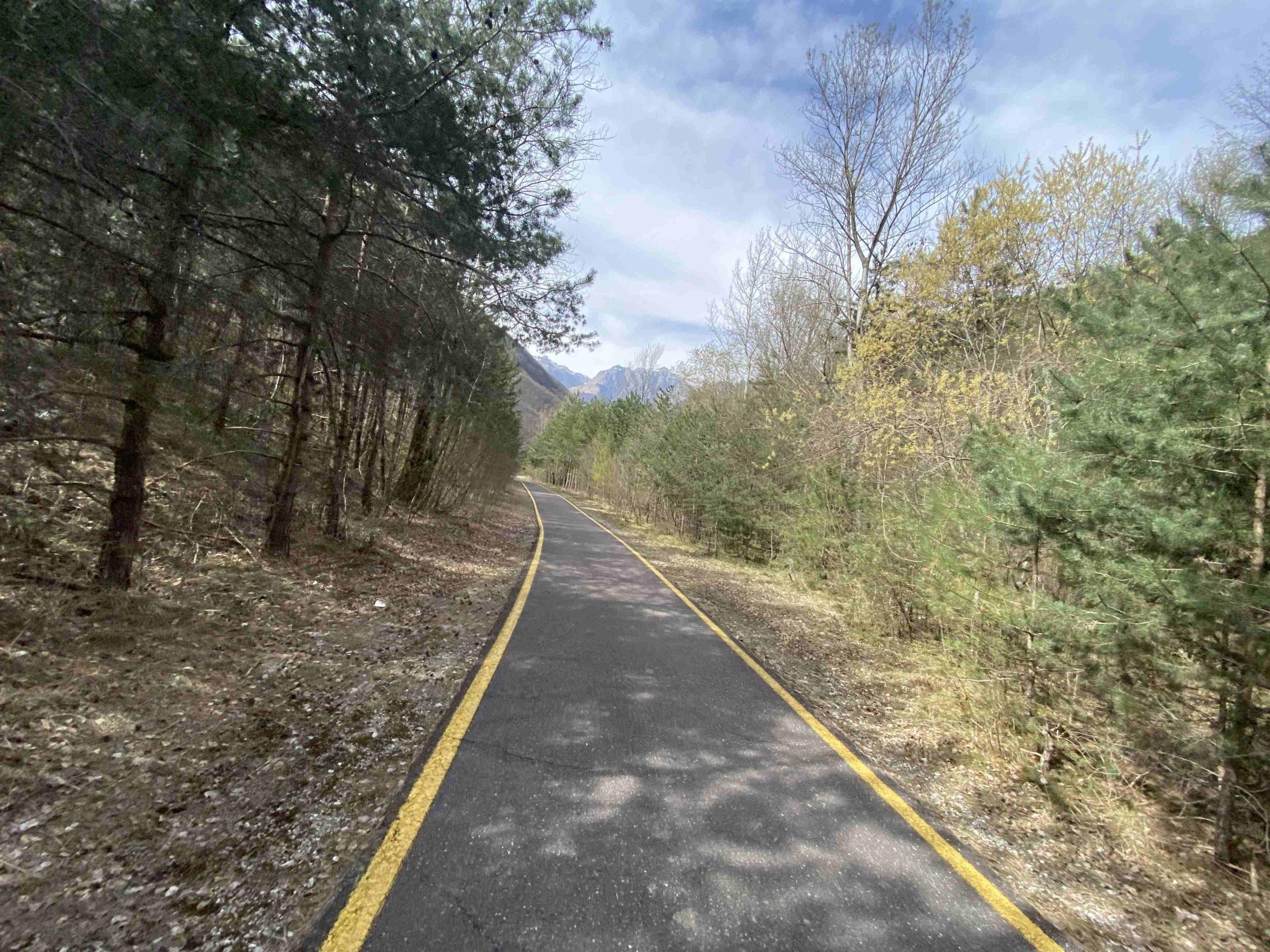 viaggiatore lento, lago di garda, vacanze in trentino, trentino in bici, viaggiare in bici, vacanze in bicicletta, garda trentino, piste ciclabili,