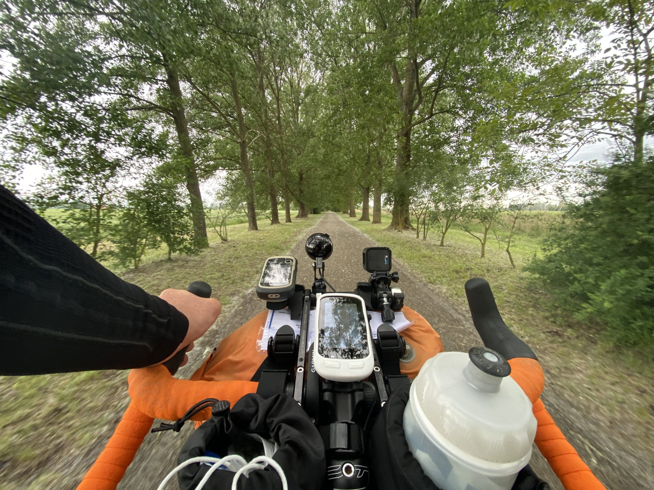 la lunga via dei fiumi, viaggiatore lento, viaggiare in bici, verona in bicicletta, ciclabile dell'adige, ciclovia del sole, eurovelo 7, ciclovia del Po, vacanze sul po in bici, lago di garda in bici, viaggiare in bicicletta, vacanze in bicicletta, bikepacking, il veneto,