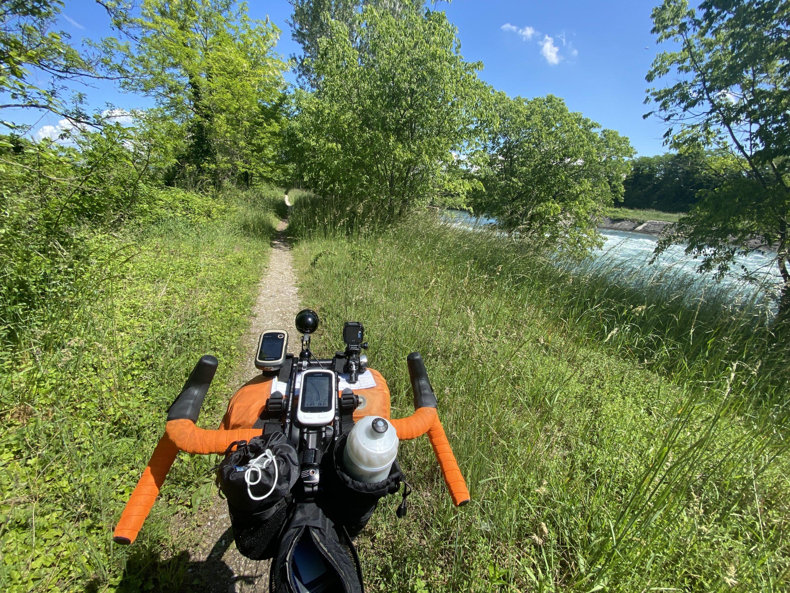 la lunga via dei fiumi, viaggiatore lento, viaggiare in bici, verona in bicicletta, ciclabile dell'adige, ciclovia del sole, eurovelo 7, lago di garda in bici, viaggiare in bicicletta, vacanze in bicicletta, bikepacking, trentino in bici, il veneto,